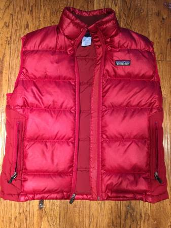 Photo Patagonia Mens Size Small Puffer Vest - $50 (Marshall, MI)
