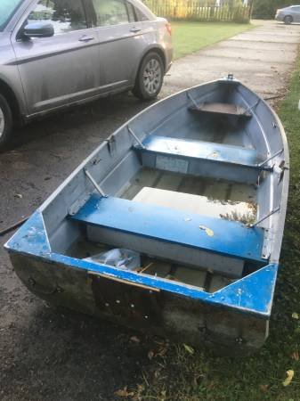 Photo Price change a deal Row Boat, oars, Anchor - $275 (Paw Paw)