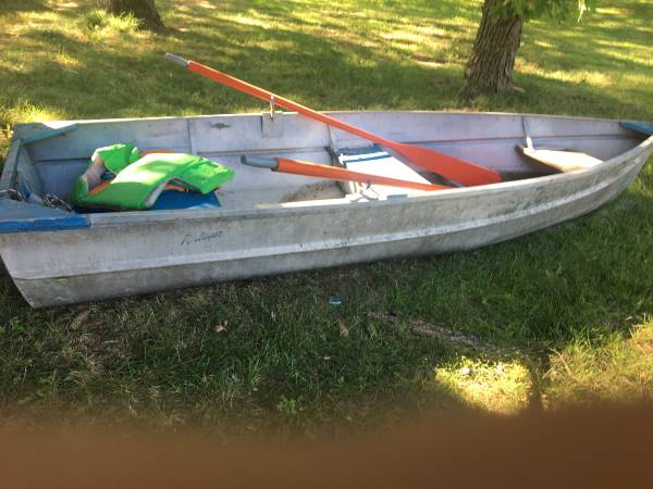 Photo Price change on boat,oars,anchor - $275 (Paw Paw)
