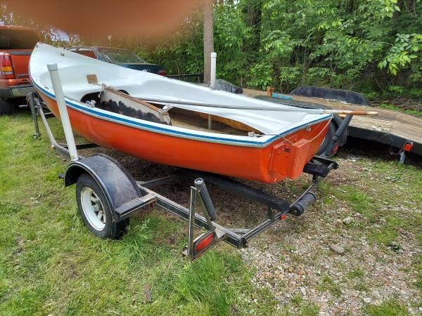 Photo Sailboat Trailer Evinrude motor - $695 (Lake Odessa)