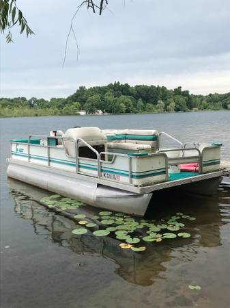 Photo Seahunt 18 Pontoon - $2,500 (Mill Lake)