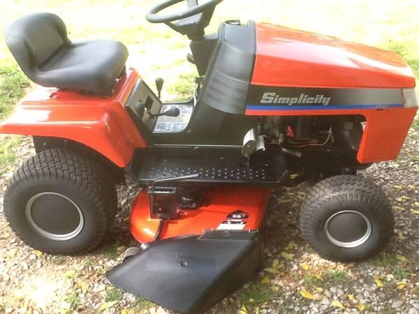 Photo Simplicity Regent 36quot lawn tractor mower some trades - $550 (Bellevue)