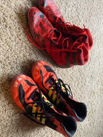 Photo Size 9.5 wrestling shoes - $20