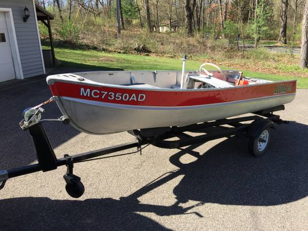 Photo Vintage 6039s 14-foot Alumacraft 39FD39 Runabout with Side Console - $1,300 (North 2nd Street)