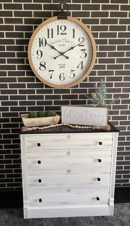Photo Vintage Distressed White DresserEntryway Console - $195 (Marshall)