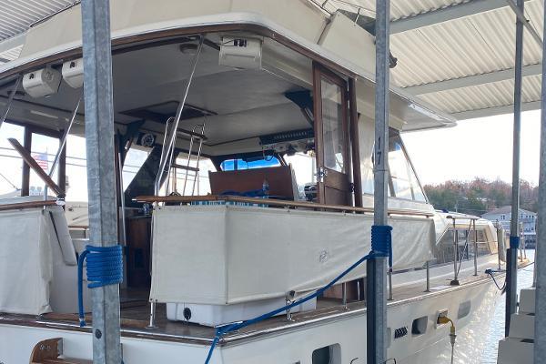 Photo 1974 Trojan 440 Express Yacht