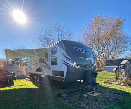 Photo remodeled 2013 keystone outback 301bq - $24,000 (Owosso)