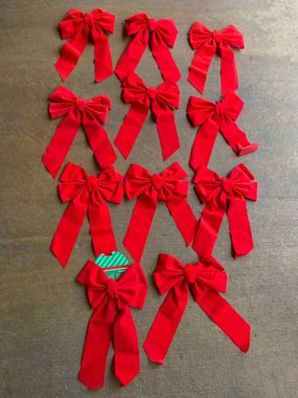 Photo 11 outdoor red bow ribbons christmas decoration (249 99 tomball)