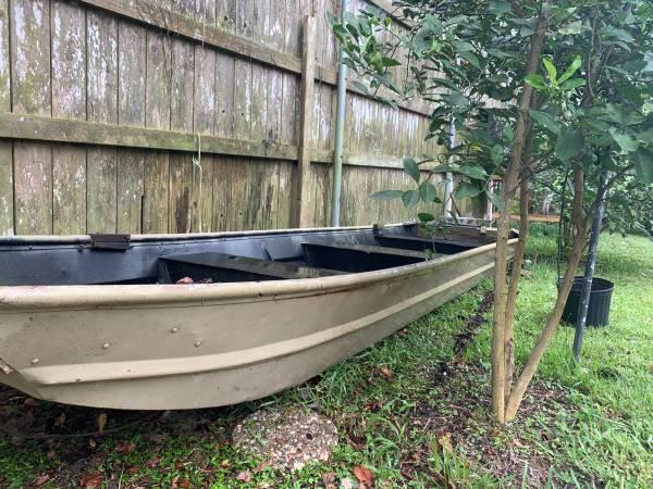 Photo 14 ft Aluminum Boat - $125 (Beaumont)