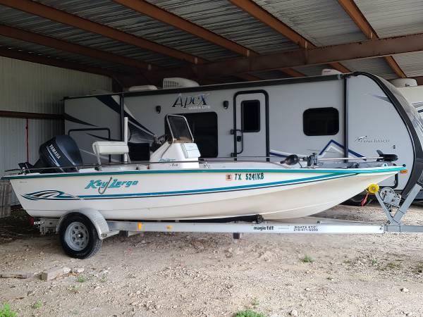 Photo 2004 KEY LARGO 19 feet Centre console bay boat 115hp Yamaha - $8,900 (Houston)