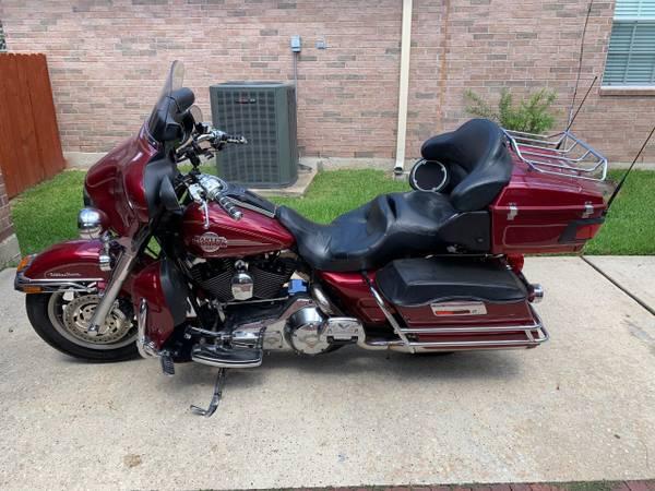 Photo 2005 Harley Davidson Electra Glide Ultra Classic - $8,200 (Spring)
