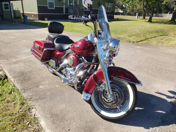 Photo 2005 Road King - $8,550 (Pearland)