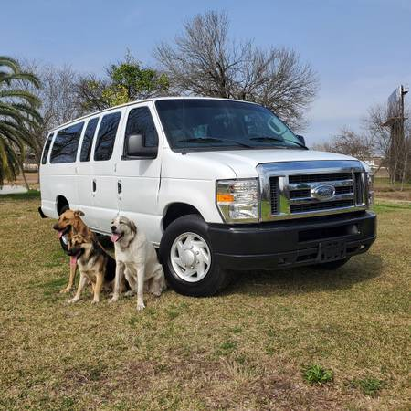 Photo 2010 Ford Econoline E350 Cargo Van, 5.4 V8 - $5,499 (Pro Mas Auto Sales  Houston)