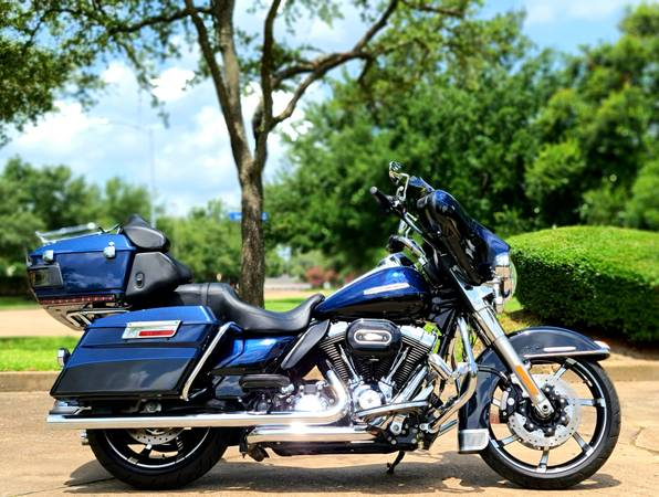 Photo 2012 Harley Ultra Limited - Loaded - Extra Clean - Only 13,032 Miles - $14,400 (West Houston)