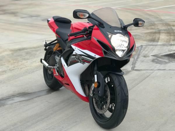 Photo 2012 Suzuki gsxr 600 - $5,500 (Houston)