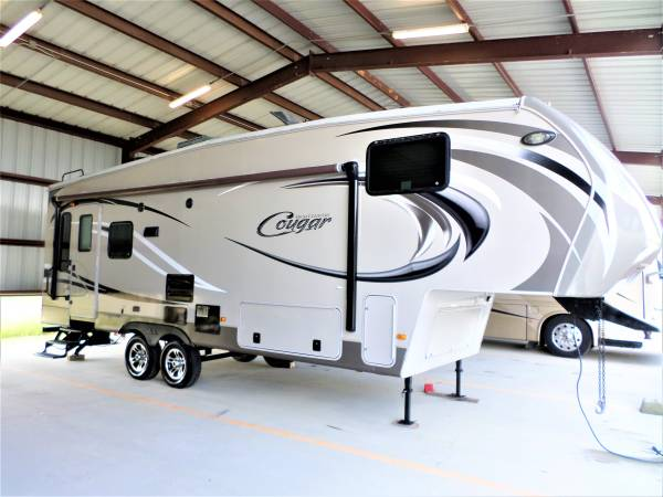 Photo 2014 COUGAR HIGH COUNTRY 30 FT FIFTH WHEEL. - $19,500 (KATY TX)