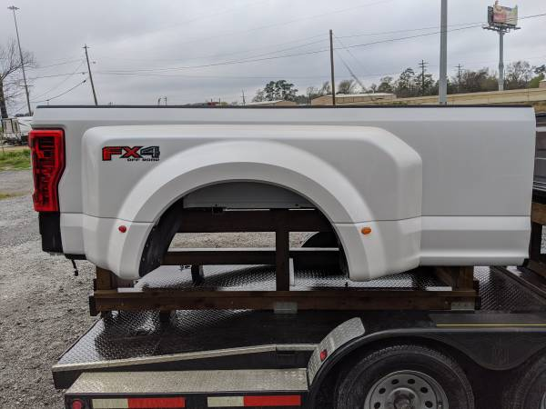 Photo 2019 Ford f350 dually bedbox....new - $2500 (BEAUMONT)