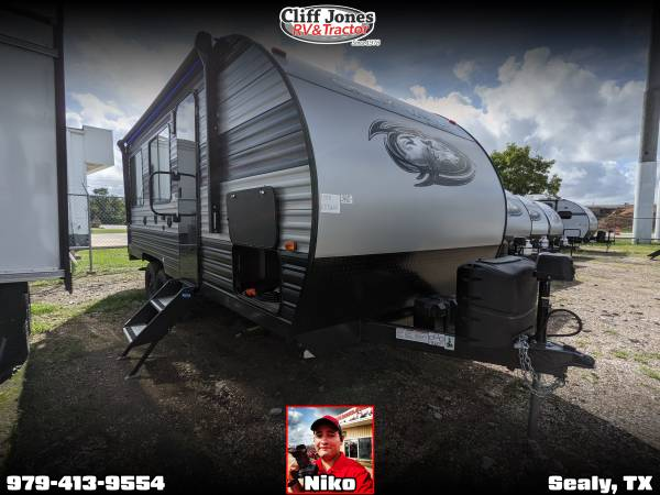 Photo 2021 Forest River Grey Wolf 18RR Tandem Axle Toy Hauler - $26,459 (Sealy)