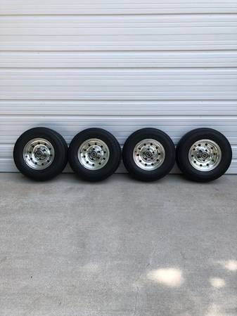 Photo 235 75 15 Tires and Ford Aluminum Rims off 1996 Ford F150 Great Shape - $500 (Hempstead)