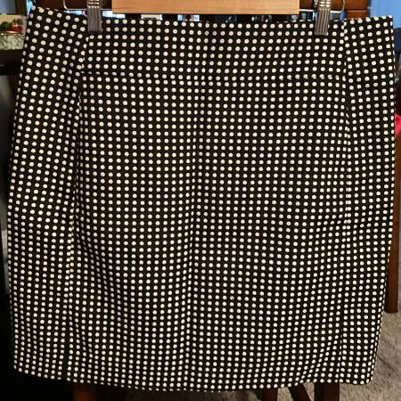 Photo ANN TAYLOR Loft Mini Pencil Skirt Sz. 14 Black  White Polka Dotted - $15 (houston)