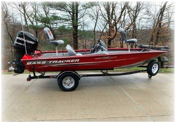 Photo Bass Tracker-2013 Pro Boat Excellent boat for the Great Loop - $1,400