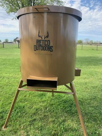 Photo Deer feeders - $500 (WALLER)
