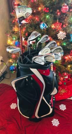 Photo Golf equipment - $450 (Bridge City)