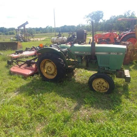 Photo John Deere 850 Small Tractor  Bush Hog - $5,500 (Liberty)