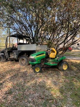 Photo John Deere Riding Lawn Mower - $250 (Silsbee)