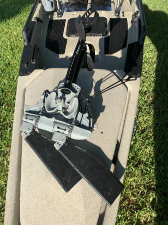 Photo KAYAK- 2016 Pro Angler 14 with Mirage Drive 180 Kick Up Fins - $2,900 (Port Neches Tx)