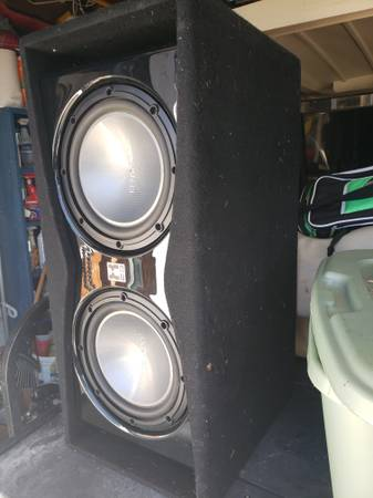 Photo Kenwood subs two 12 inch in nice box - $125 (Conroe)