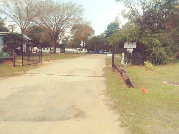 Photo MH39s andor MH PARK OR RV PARK for sale. Considering offers. (Longview, Tx)