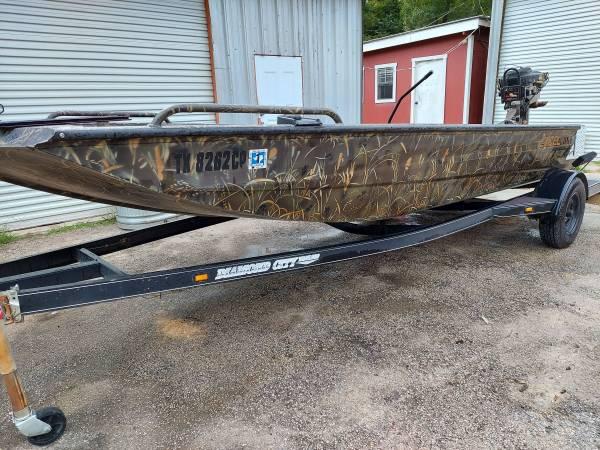Photo Mud BoatDuck Boat - $12,500 (New Caney)