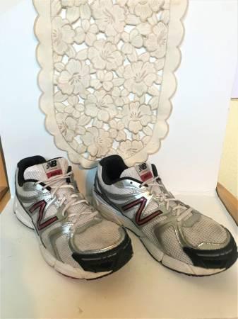Photo New Balance 490W SL2 Mens Running Sneakers Size 14EEEE - $30 (West University)