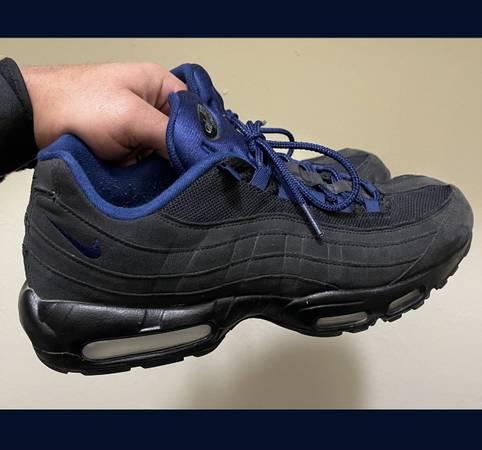 Photo Nike Air Max 95 Sneaker - Size 11.5 - $140 (League City)