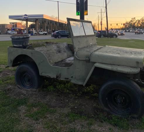 Photo Older model Willys Jeep - $750 (Bridge city)