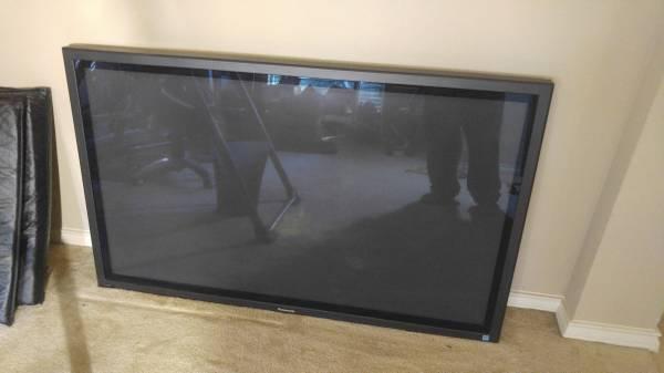 Photo Panasonic TH-50PHD8 50-IN PLASMA HDTV- Best offer - $300 (OBO -- FM1960290)