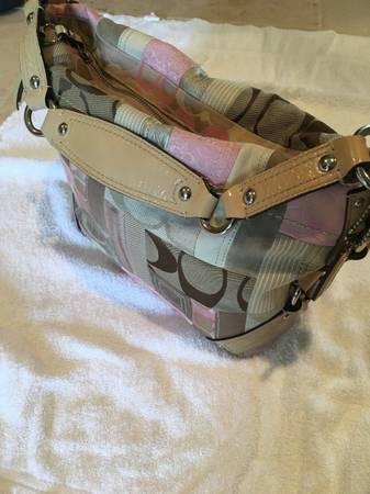 Photo Pink suede Coach hand bag - $35 (Montgomery, TX.)