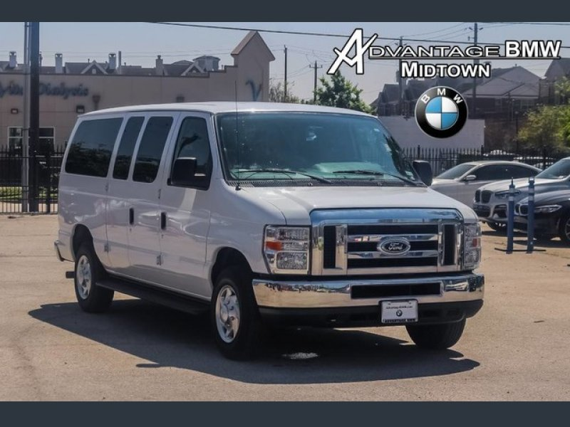 Photo Used 2013 Ford E-350 and Econoline 350 XL for sale