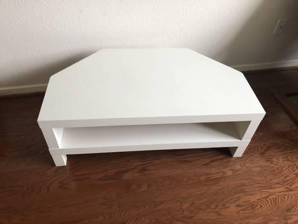 Photo White Corner TV Stand - $30 (Cypress)