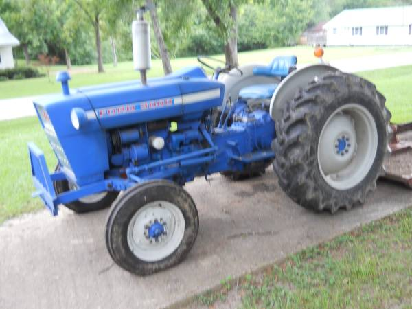 Photo 1972 Ford 3000 Tractor - $6500 (carbon hill, al.)