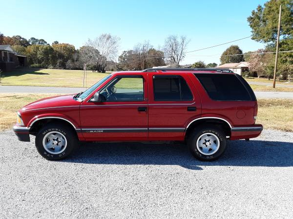 Photo 1995 CHEVY S10 BLAZER - $3800 (Alexandria)
