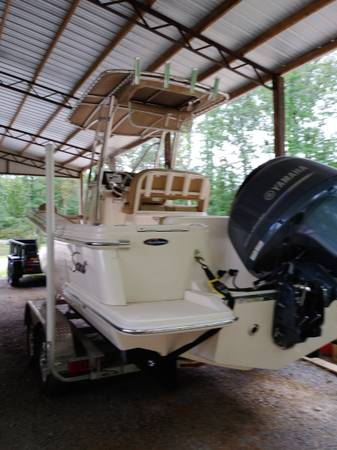 Photo 2018 Scout 215xsf center console fishing boat - $59,000 (Calera)