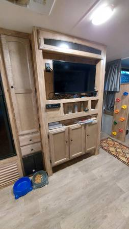 Photo 2019 Coachman Freedom Express Select - $26,000 (Parrish)