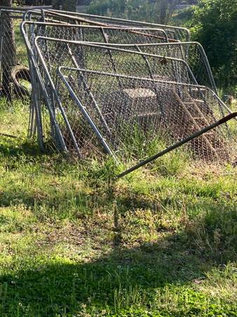 Photo Dog kennel 10x10x6 - $150 (Oneonta Springville)