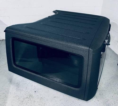 Photo Jeep Wrangler 2 Door HARD TOP JK OEM Hardtop Bed Liner Mopar Freedom - $2350 (Marietta)