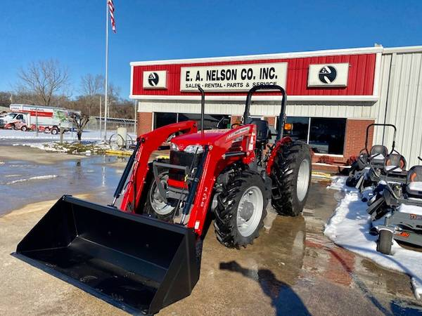 Photo Massey Ferguson 2607H Tractor with Front Loader (Shoals, North Alabama)