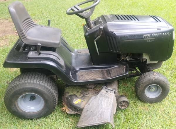 Photo Murray 42 inch riding mower with new blades - $350 (Hoover)