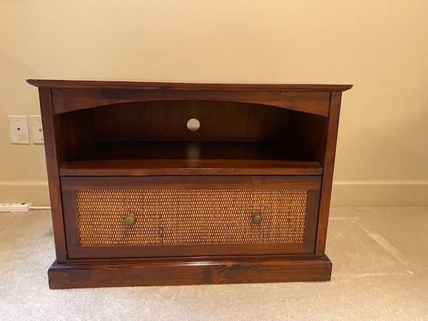 Photo Pier 1 TV Console - $45 (Hoover)
