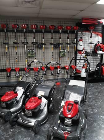 Photo Redmax  Honda outdoor power equipment mower blower trimmer edger - $1 (LEEDS)